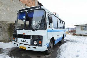 אוטובוס בדרך - הנסיעה לאומן