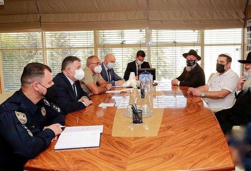 ישיבת תיאום והכנה עם שר הפנים אבקוב לקראת ראש השנה