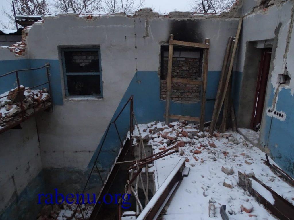 לאחר פעילות נשיא איחוד ברסלב הופסקו העבודות בבית העלמין באומן