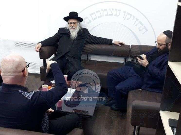נשיא איחוד ברסלב במאמצים לפדות את בית העלמין היהודי בקרמנצוג