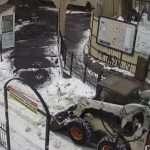 פינוי שלג סמוך לציון רבי נחמן מברסלב ברחוב בילינסקי