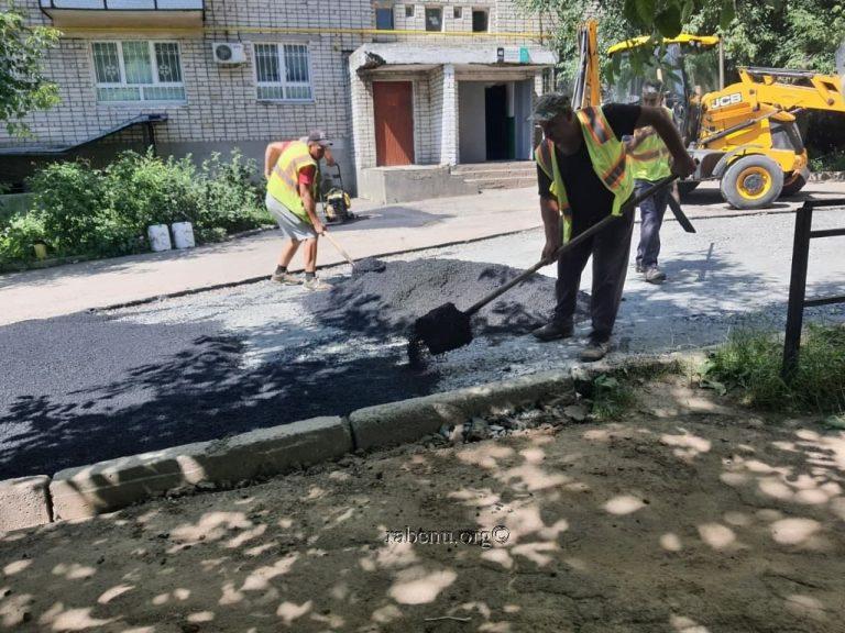 עבודות מרוכזות לתיקון הכבישים והמדרכות סמוך לקבר רבי נחמן מברסלב
