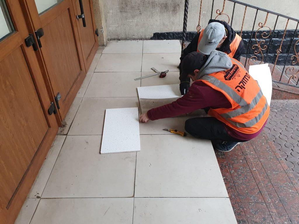 איחוד ברסלב באומן מבצעים עבודות תחזוקה בציון